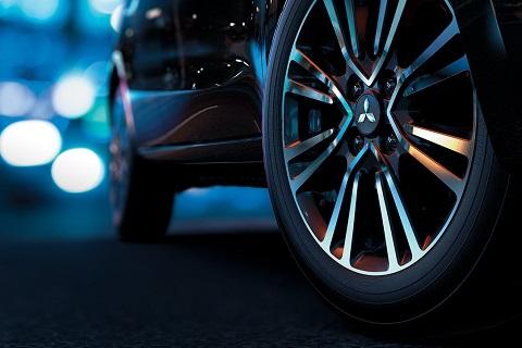 Mâm bánh xe hợp kim 2 tông màu